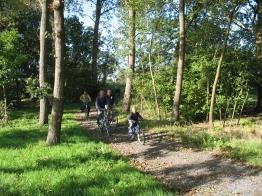 fietsen door het Rijkegasthuisbos