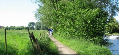 fietsen langs de Leieboorden